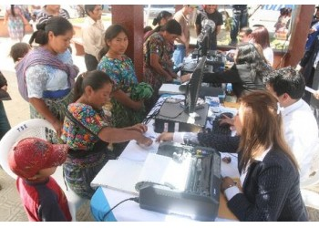 Mujeres-Maria-Cauque-Santiago-Sacatepequez PREIMA20110222 0015 5